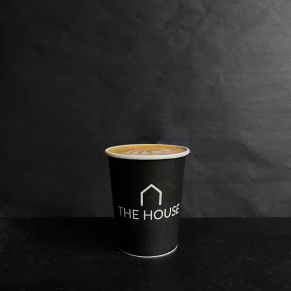 Cappuccino fra The House på gågaden i Aarhus